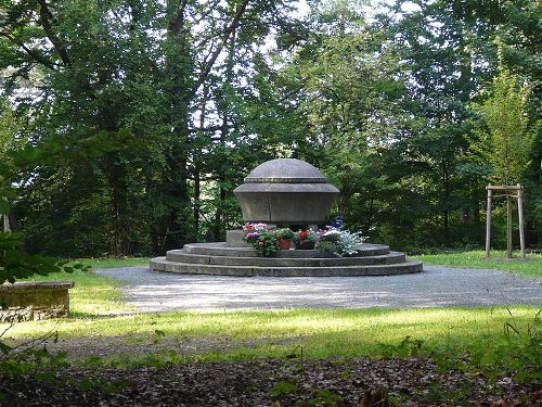 Monument Slachtoffers Kamp Hersbruck