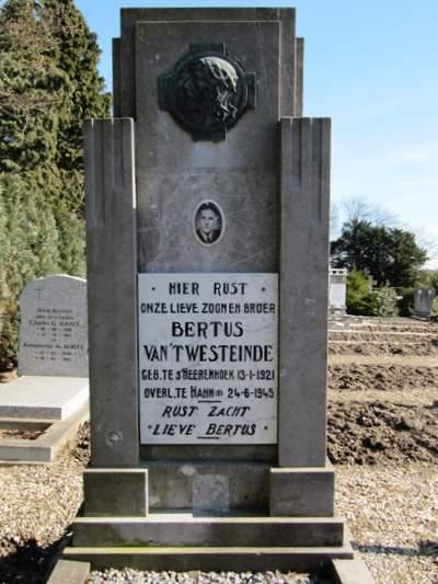 Nederlandse Oorlogsgraven 's-Heerenhoek