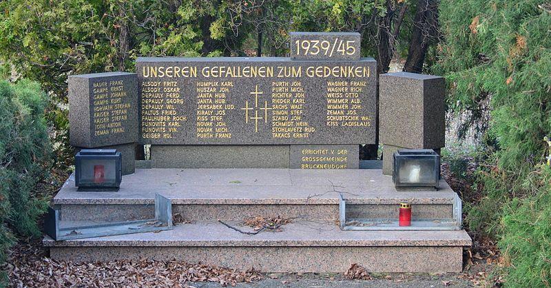 Monument Tweede Wereldoorlog Bruckneudorf