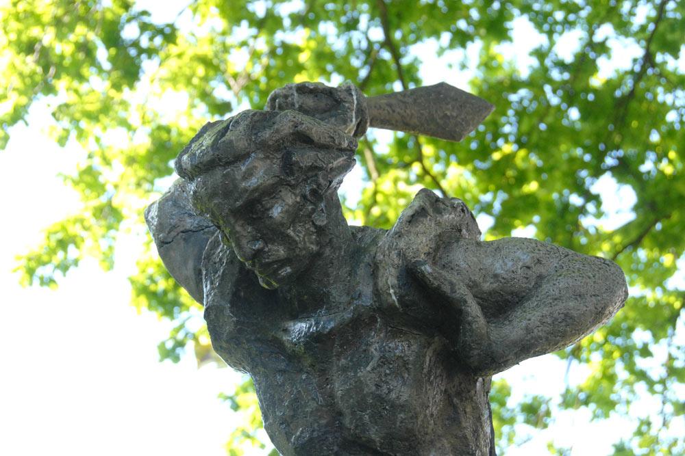Monument Saint-Joris and the Dragon Den Bosch