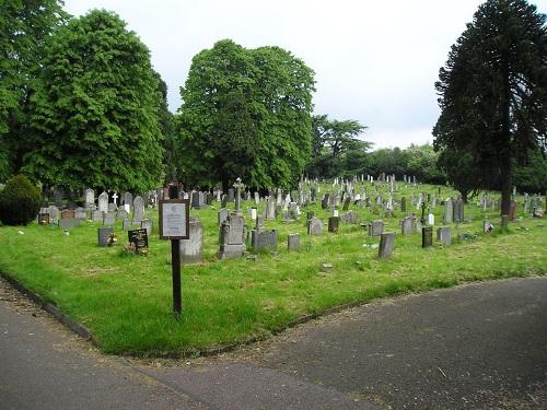 Commonwealth War Graves Belgrave Cemetery