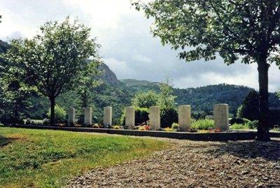 Oorlogsgraven van het Gemenebest Helleland