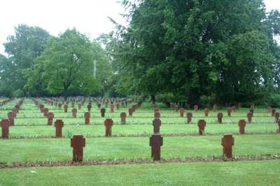 Duitse Oorlogsbegraafplaats St. Desir-de-Lisieux