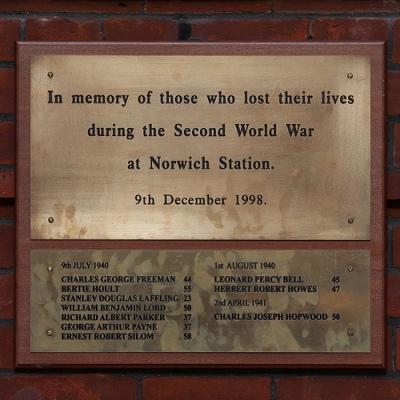 Plaque Victims Norwich Station