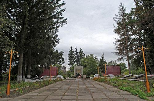 Sovjet Oorlogsbegraafplaats Voronovytsya