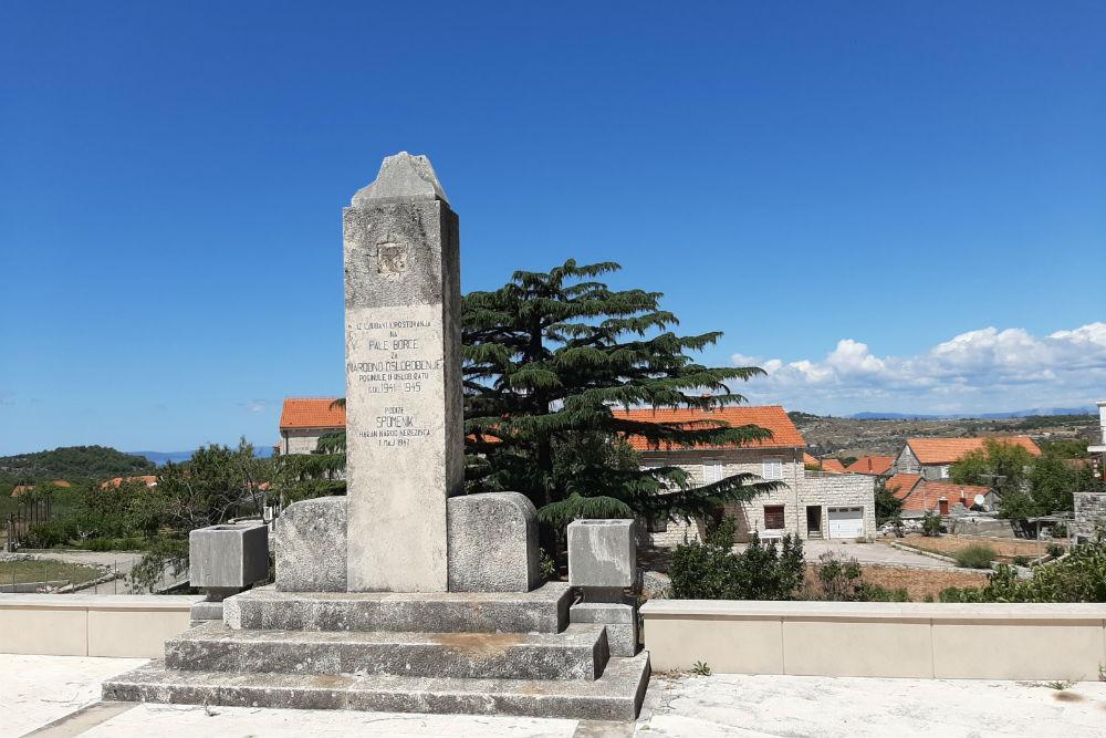 Oorlogsmonument Nezerisce