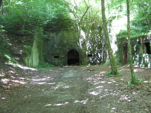 Abri-Caverne (Ingegraven Schuilplaats) Souville