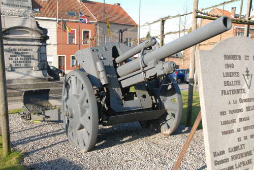 War memorial with cannon braine l 39 alleud braine l 39 alleud for Inoui braine l alleud