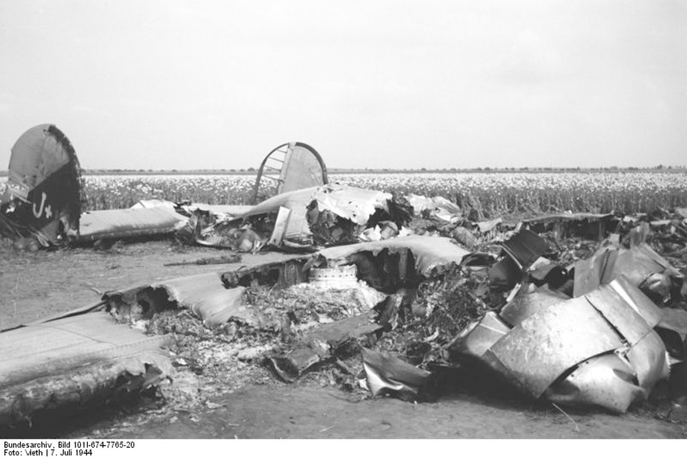 Crash Site Consolidated B-24J Liberator (44-40132)