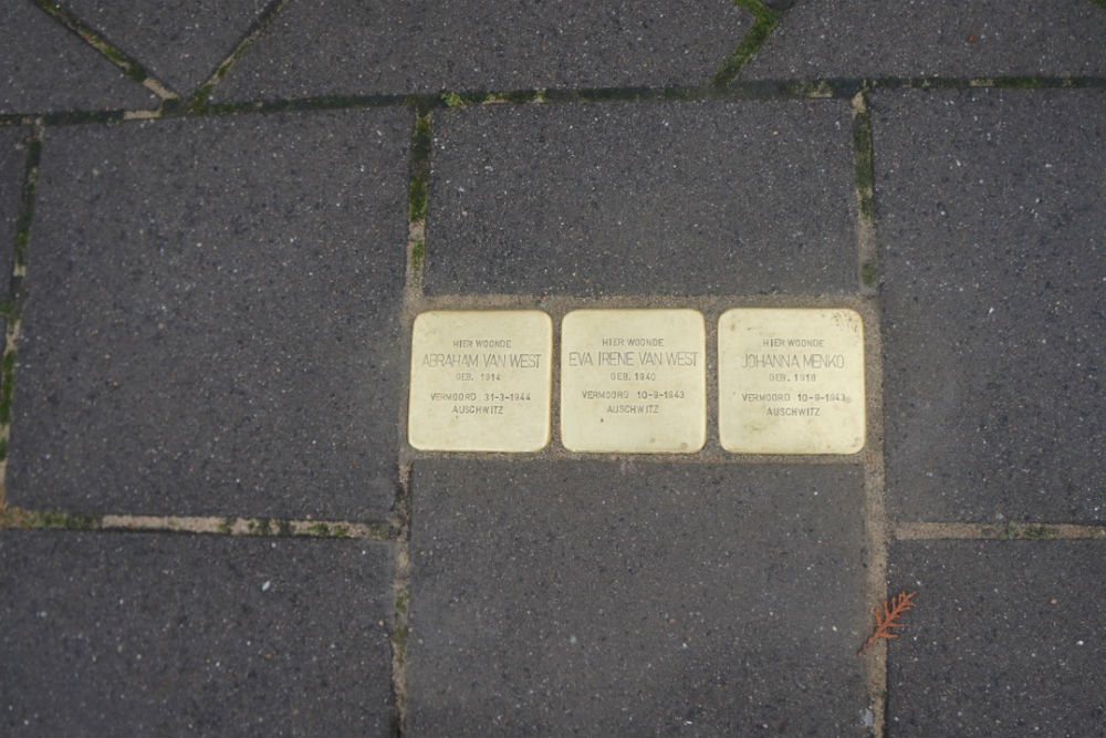 Stolpersteine Burgemeester Weertsstraat 139