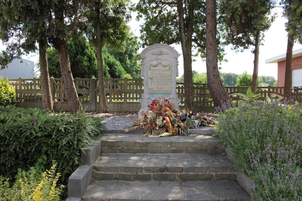 Monument Crash Halifax II H.R. 734 Loncin