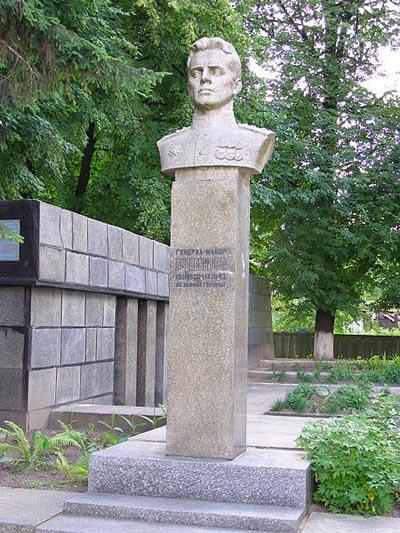 Sovjet Oorlogsbegraafplaats Glukhov