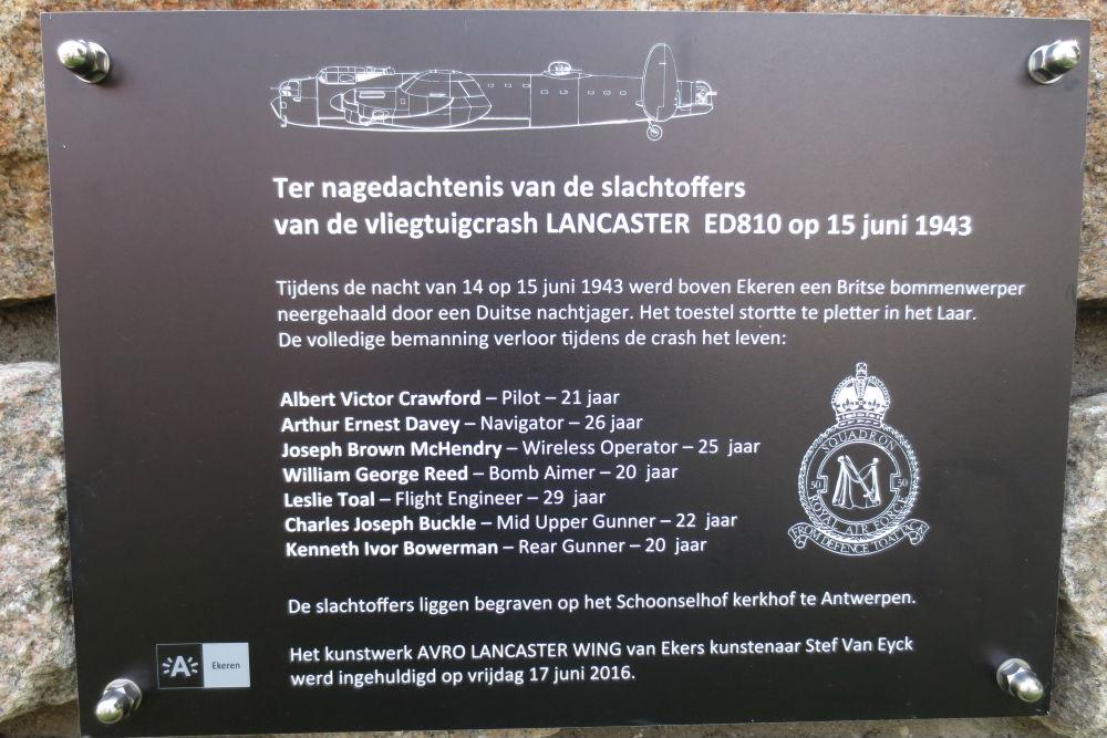 Monument crash Lancaster ED810