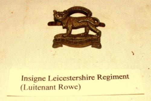 Renswoude onthult monument bij Luitenant Rowe brug