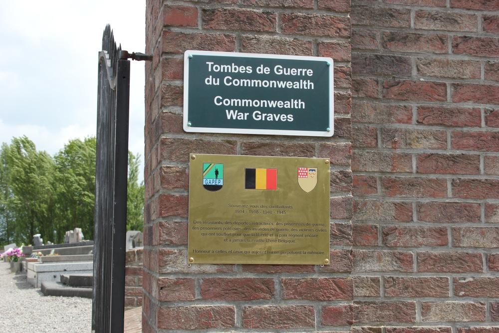 Gedenkplaat Begraafplaats Thorembais-Saint-Trond