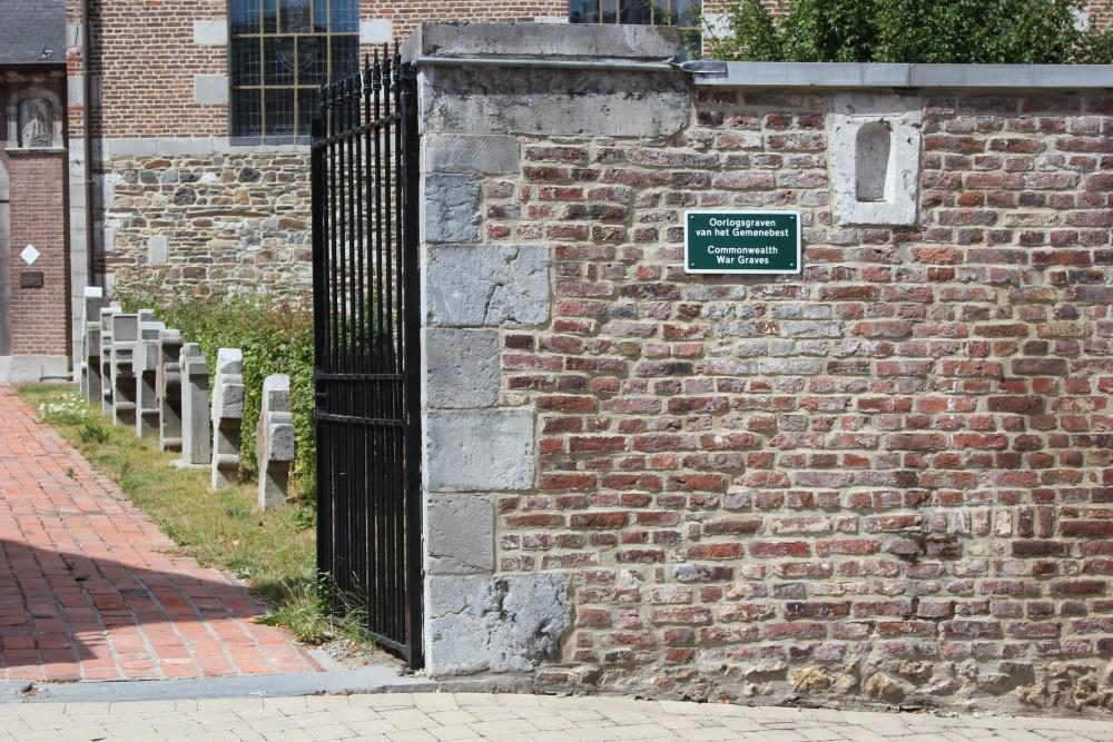 Oorlogsgraven van het Gemenebest Sint-Martens-Voeren