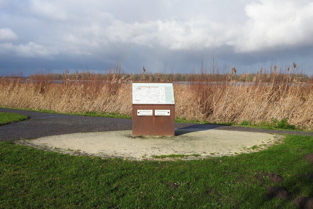 Information Board Line-Crossers Lage Zwaluwe