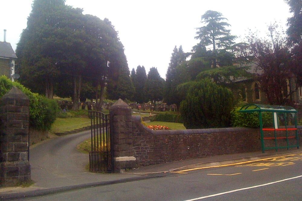 Commonwealth War Graves Gwaelodybrithdir Cemetery