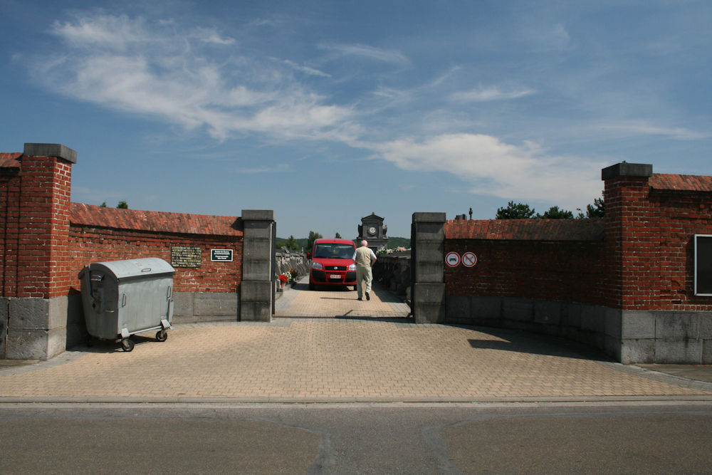 Municipal Cemetery Jemeppe-sur-Sambre