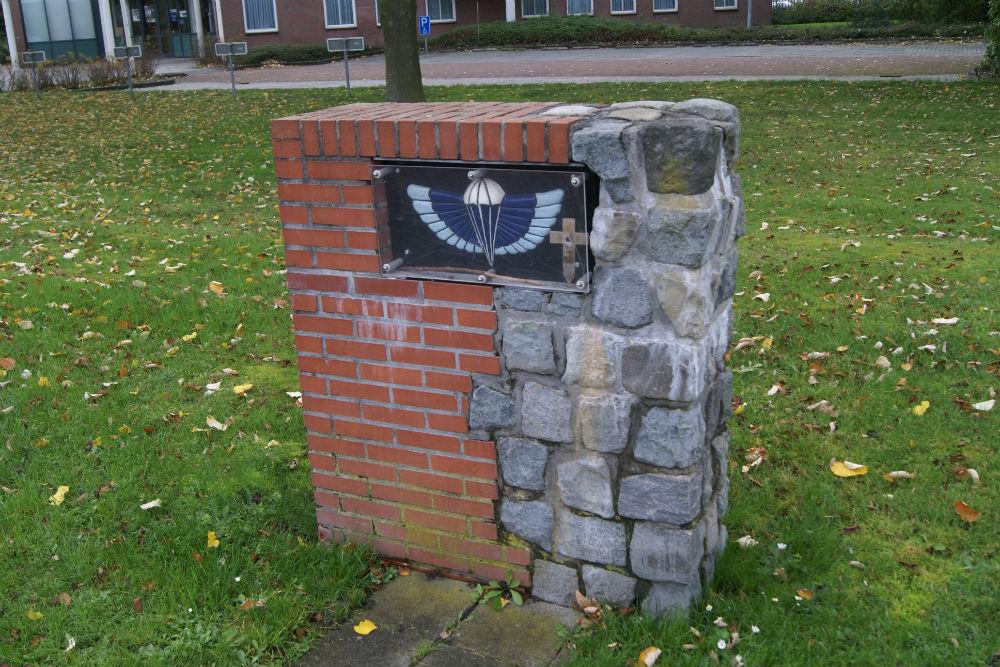 Monument Parachutisten S.A.S. Winschoten