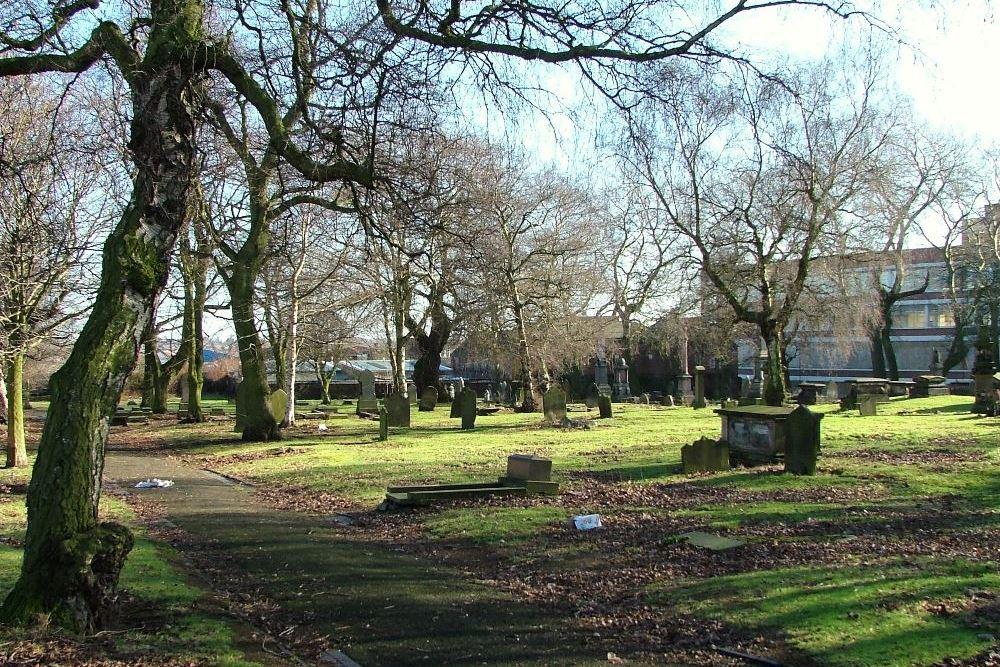 Oorlogsgraf van het Gemenebest St. Giles Churchyard Extension
