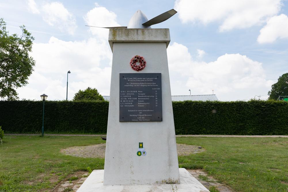 Memorial Lancaster lll ED997 Bomber Oeffelt