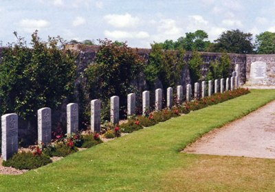 Commonwealth War Graves Longside Cemetery