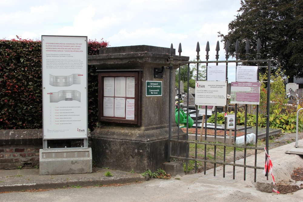 Commonwealth War Grave Aarsele