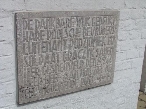 Gedenkplaat Twee Gesneuvelde Poolse Soldaten