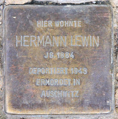 Stumbling Stones Manfred-von-Richthofen-Straße 30