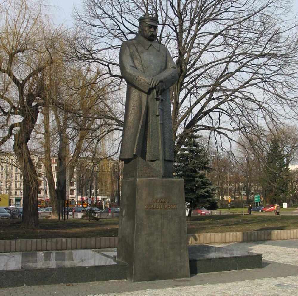Monument Maarschalk Jozef Pilsudski