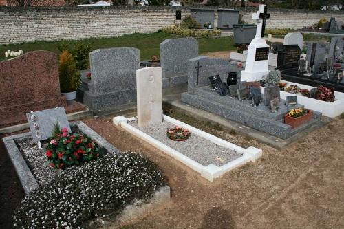 Commonwealth War Graves Le Bois-Plage-en-Ré