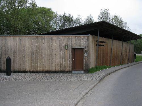 Camp Cemetery Vaihingen / Wiesengrund