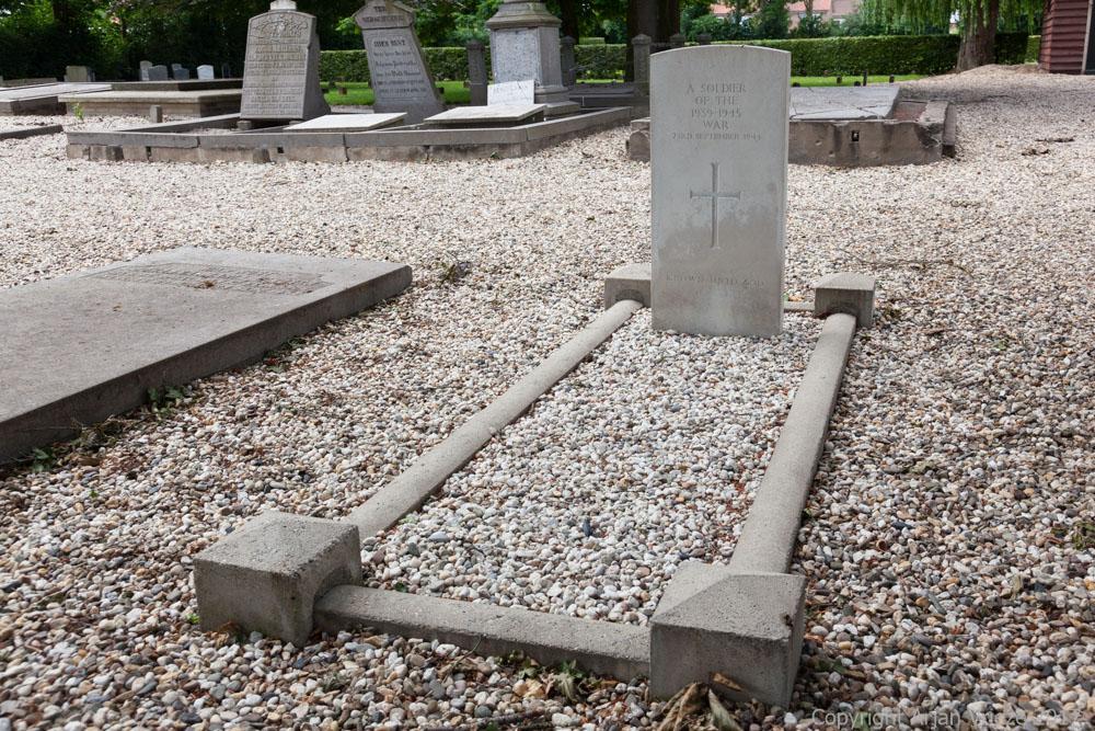 Commonwealth War Graves General Cemetery Opheusden