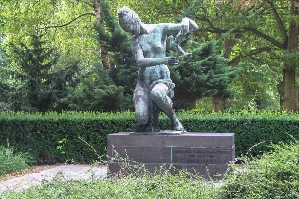 Massagraf Bombardementsslachtoffers 14 Mei 1940 Algemene Begraafplaats Crooswijk