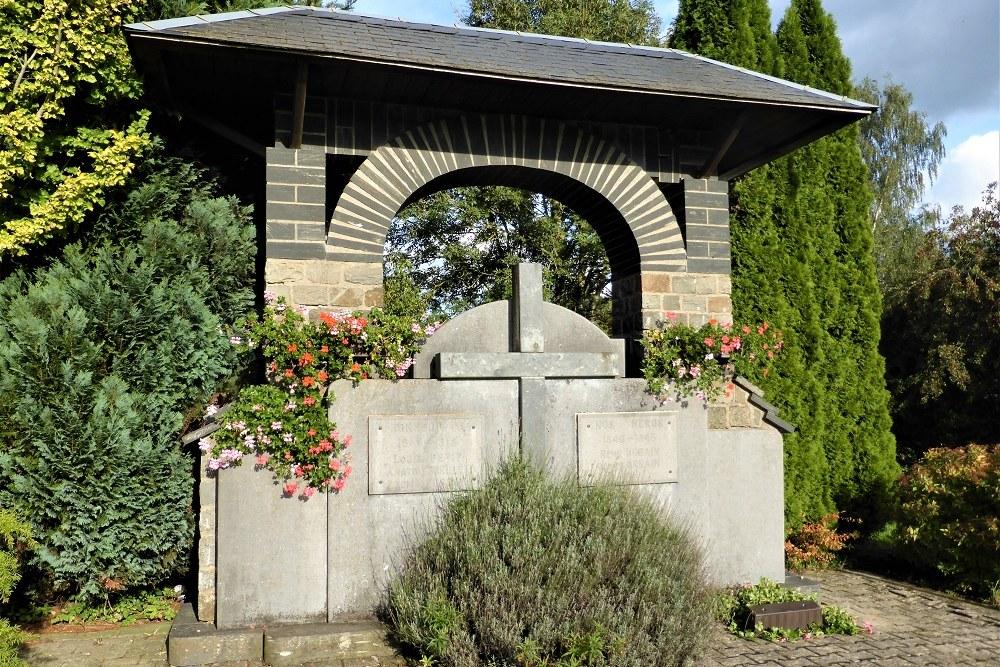War Memorial Petitvoir