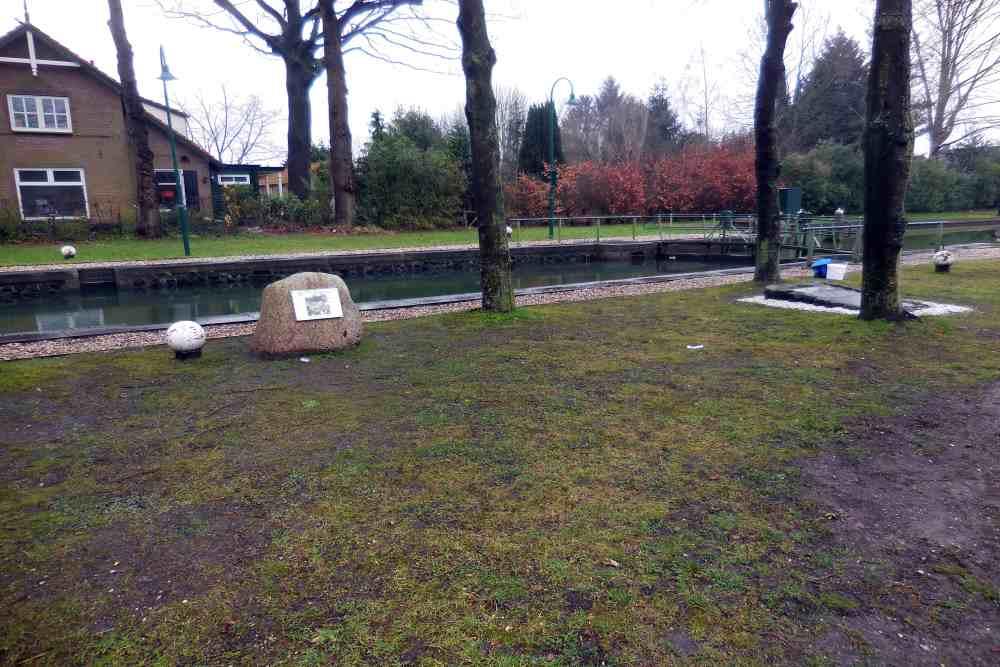 Gedenksteen Apeldoorns Kanaal