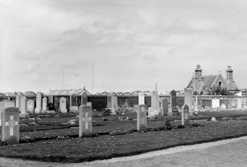 Commonwealth War Graves Kirkton Cemetery