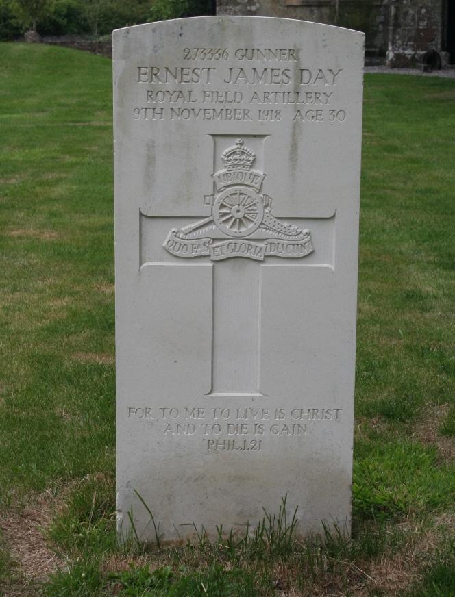 Commonwealth War Grave Semley Baptist Chapelyard