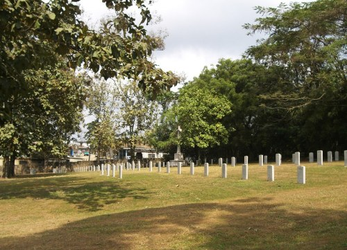 Commonwealth War Cemetery Lafenwa