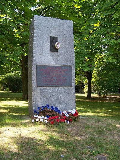 Monument Ontmoeting Russische Tankers en Opstandelingen