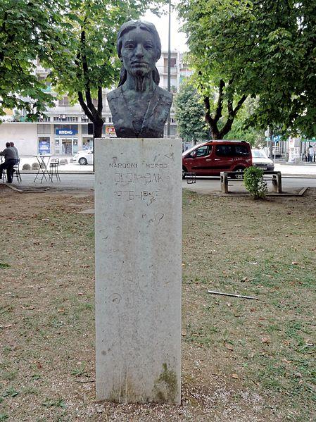 Bust Olga Ban