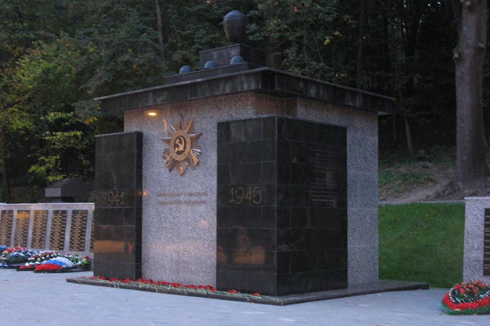 Mass Grave Soviet Soldiers No. 13