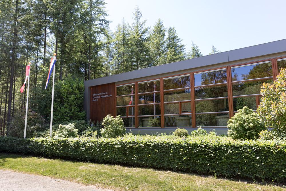 Informatiecentrum Canadese Begraafplaats Holten