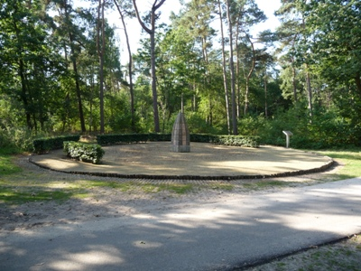 War Memorial Loon op Zand