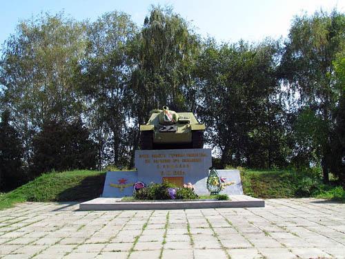 Massagraf Sovjet Soldaten (SU-100 Tankjager)