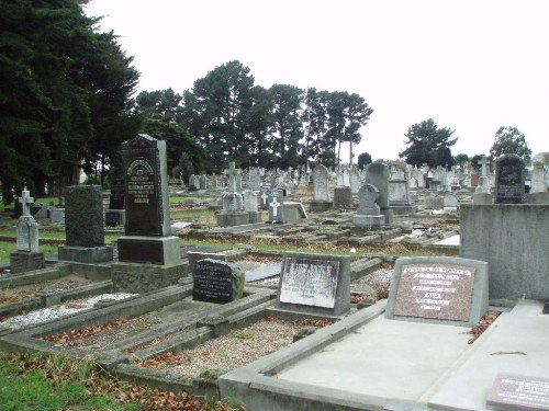 Oorlogsgraven van het Gemenebest Linwood Cemetery
