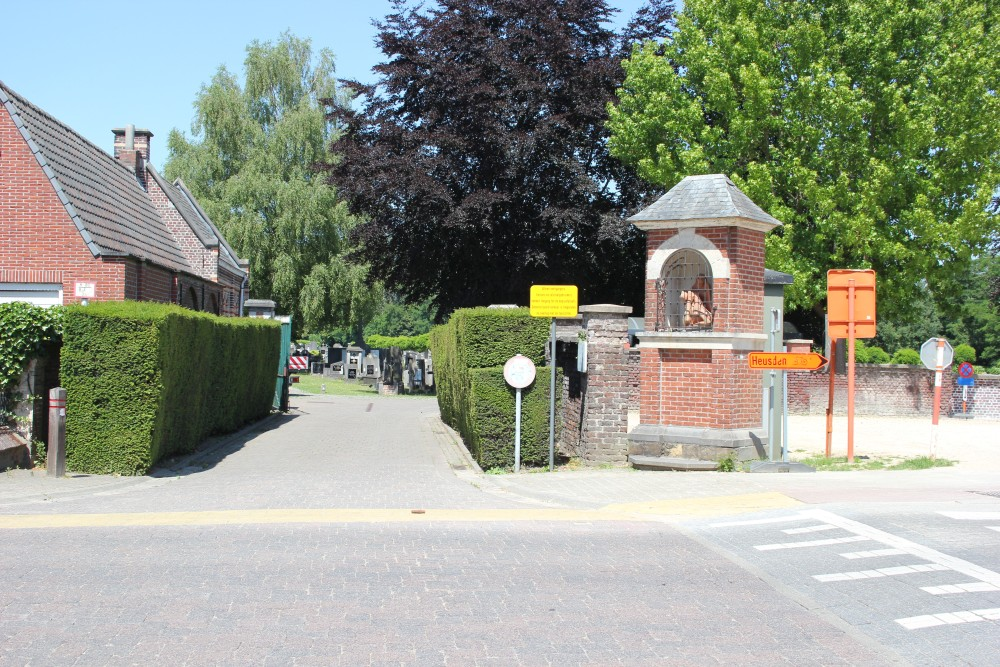 Communal Cemetery Melle