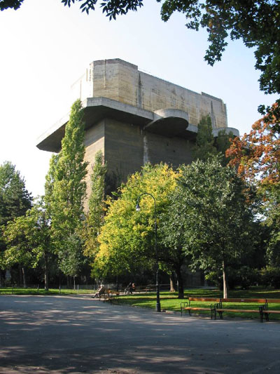 Flakturm VIII L-Tower Arenberg Park (Flak tower)