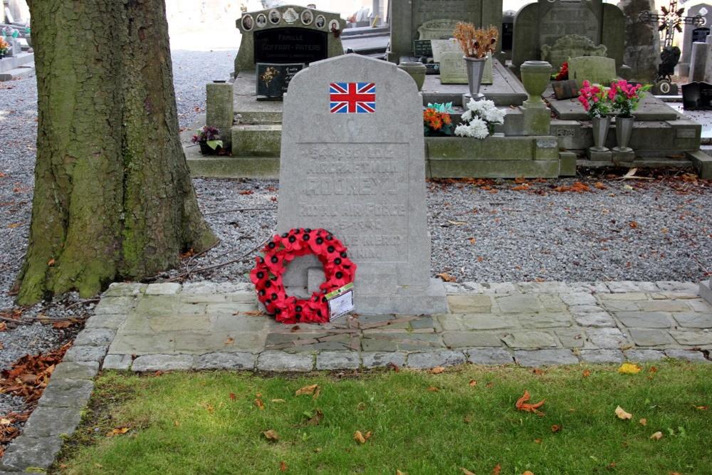 Commonwealth War Grave Rhees Herstal